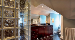 Greg_Stamate_Glass_Block_bathroom2