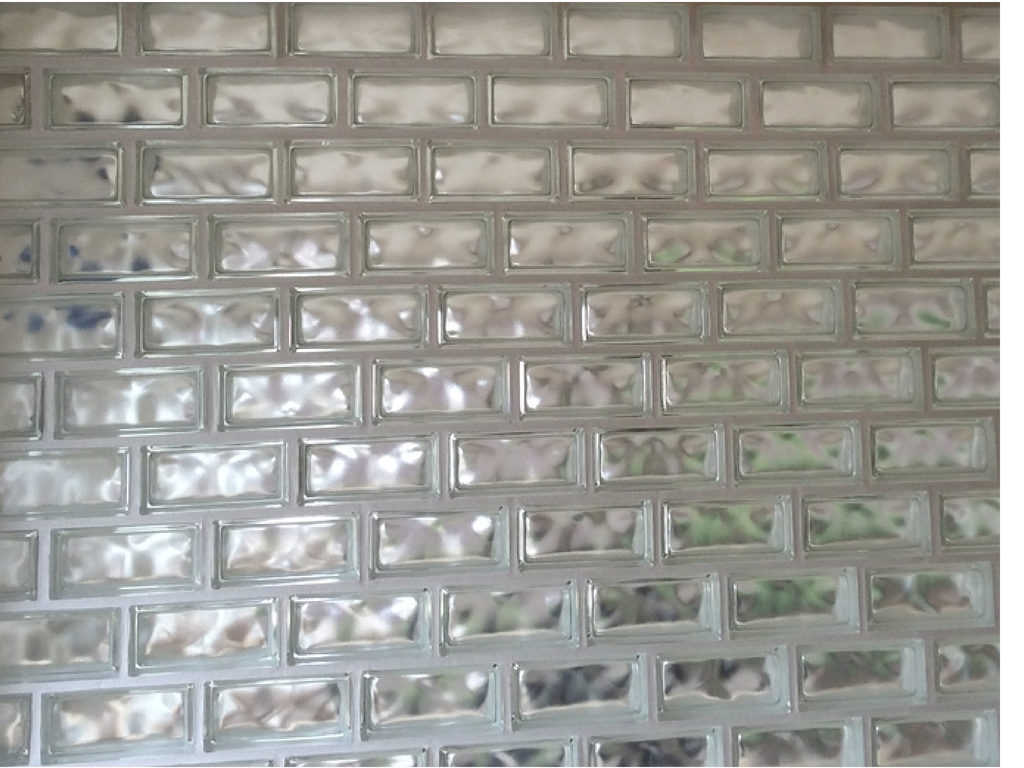 Glass block with a running bond glass block blogger - Glass bricks designs walls ...